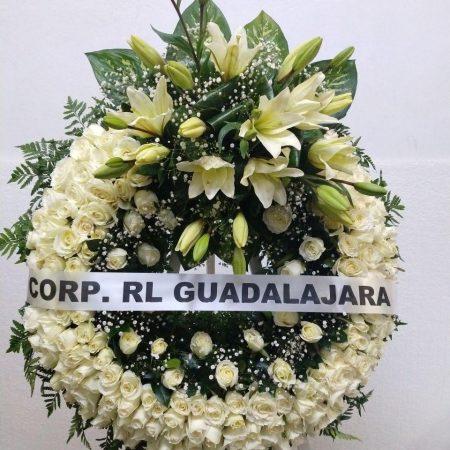 Corona Fúnebre Elegante con Tripie